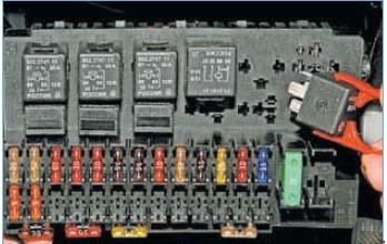 31098181 - Схема предохранителей приора 16 клапанная