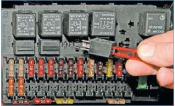 45342271 - Схема предохранителей приора 16 клапанная